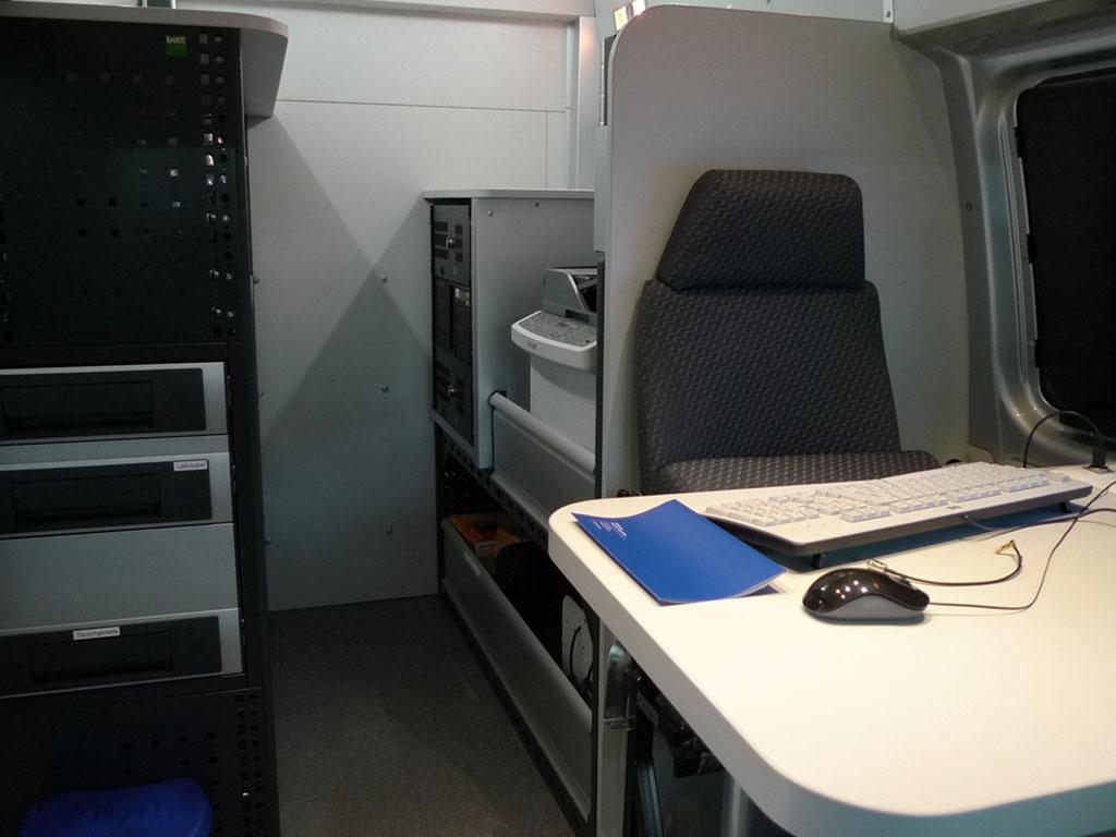 Allestimento furgoni arredamento veicoli commerciali for Allestimento ufficio